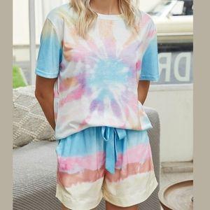 • (10/12) Tie Dye Lounge Set Tee & Shorts•